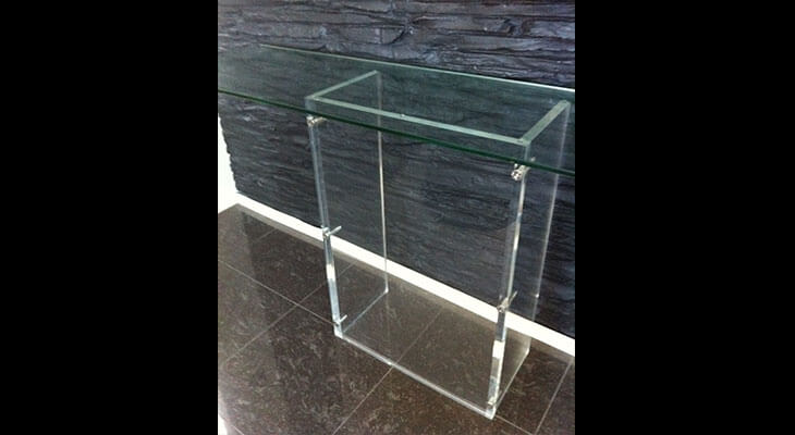 Clear-Acrylic-furniture.jpg