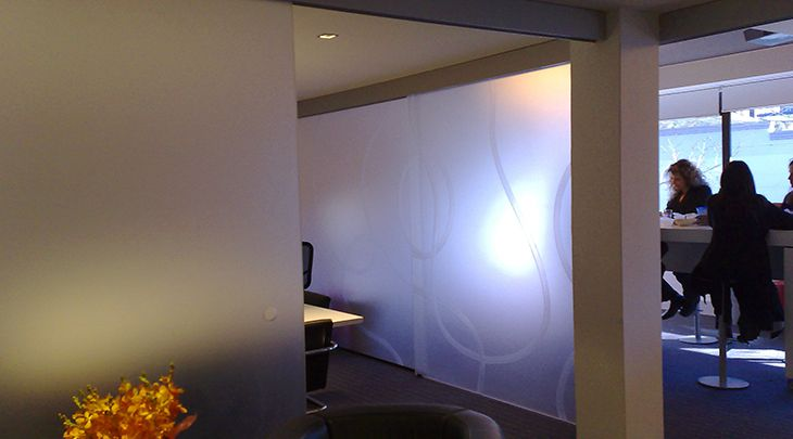 Office-Partition-10mm-Crystal-Frost-PERSPEX-Project-NT-Architects-Sydney.jpg