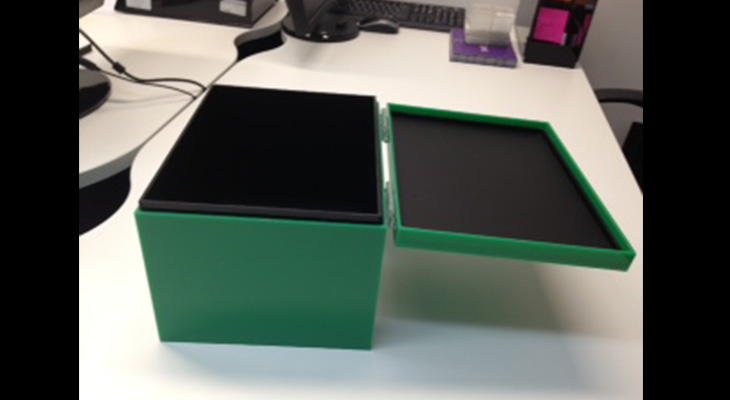 Green-Acrylic-box.jpg