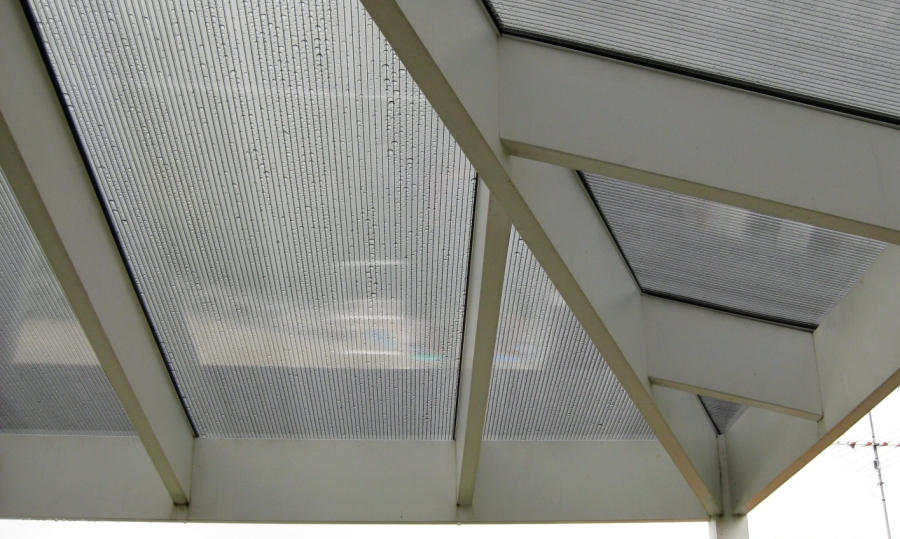 Makrolon_Multiwall_Awning.jpg