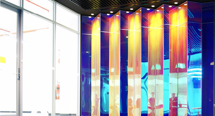 Vivid_Show_Plexiglas_Iridescent_Telstra_Entrance.jpg
