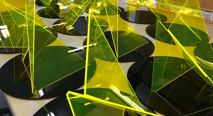 Fluorescent-Perspex-centre-pieces.jpg