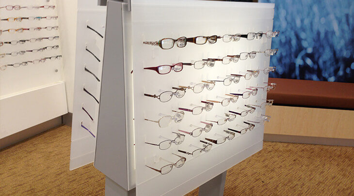 006-Polar-White-Perspex-Optometry-Stands.jpg
