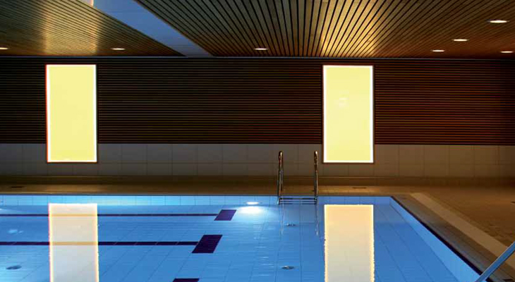 Plexiglas-LED-Pool-Lighting.jpg