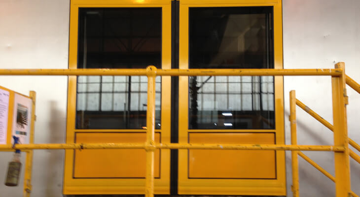 AR2-polycarbonate-for-railway-double-glazing.jpg