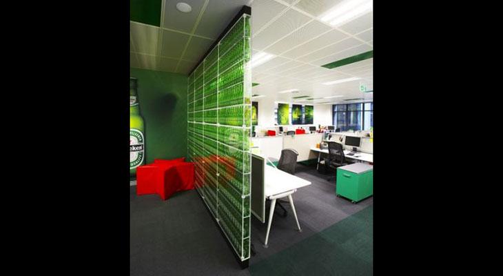 6-Acrylic_wow_deco_Screens_Home_deco_CTS_Hospitality_SFO_Balustrade_Exibitions_Fabricated_Heineken_Wall.jpg