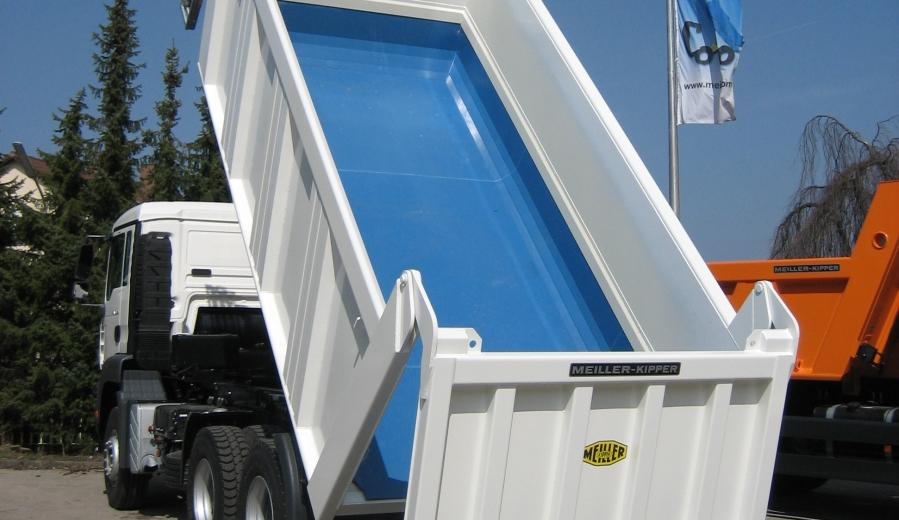 50-UHMWPE - Use in Truck Beds.jpg
